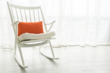 Fotel bujany - wspomnienie dzieciństwa w nowoczesnej odsłonie