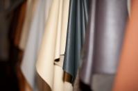 Nowy materiał tapicerski do starych mebli