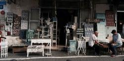 O co warto zapytać sprzedawcę kupując meble?