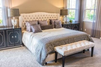 Sypialnia w stylu retro — od czego zacząć?